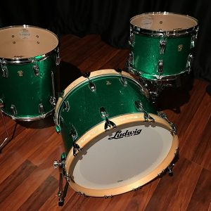 Ludwig classic maple green sparkle fab bass top right