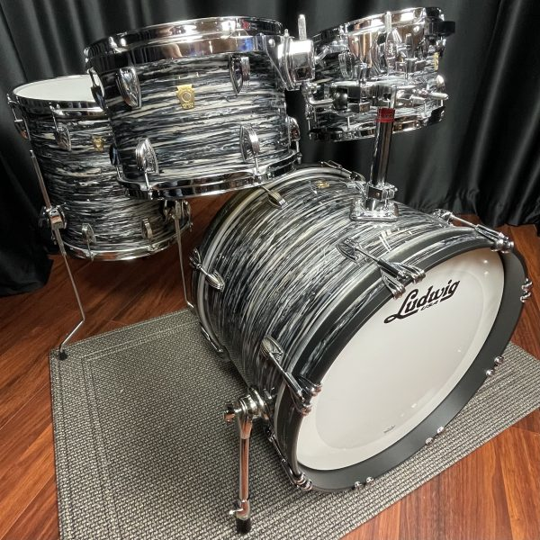 Ludwig USA Classic Maple Vintage Black Oyster Drum Set